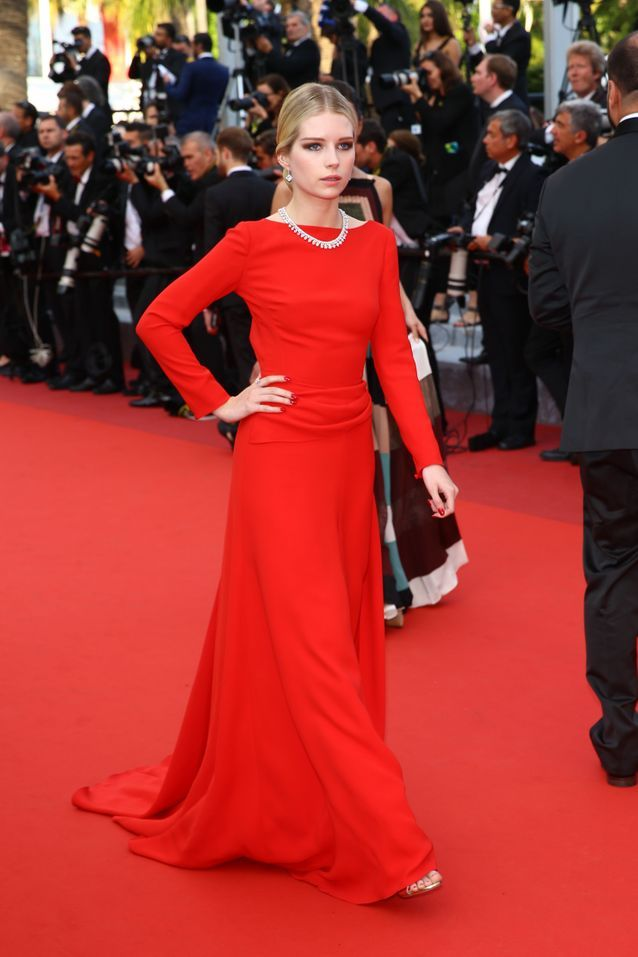 Robe Cannes Lottie Moss