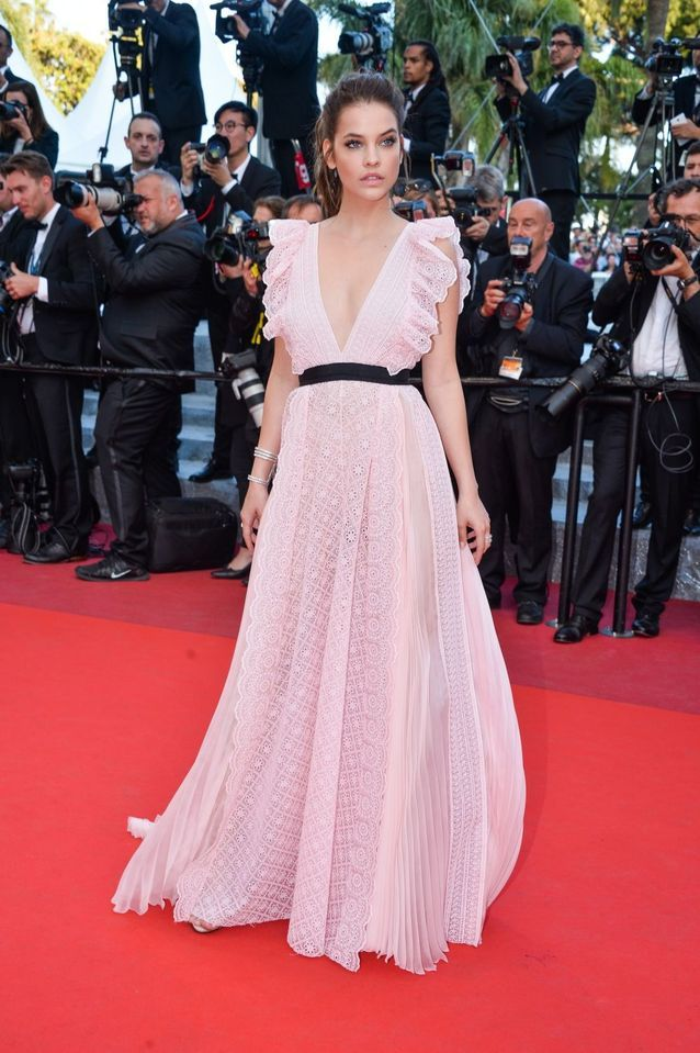 Robes Cannes Barbara Palvin