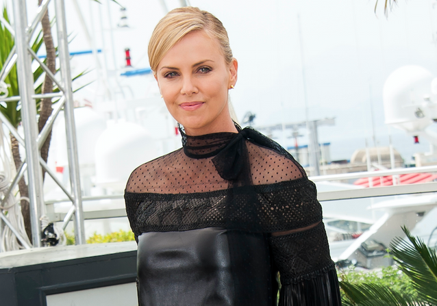 "Cannes 2015 : Charlize Theron présente ""Mad Max"" !"