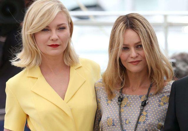 Cannes 2016 : Vanessa Paradis et Kirsten Dunst, rayonnantes lors du photocall du jury