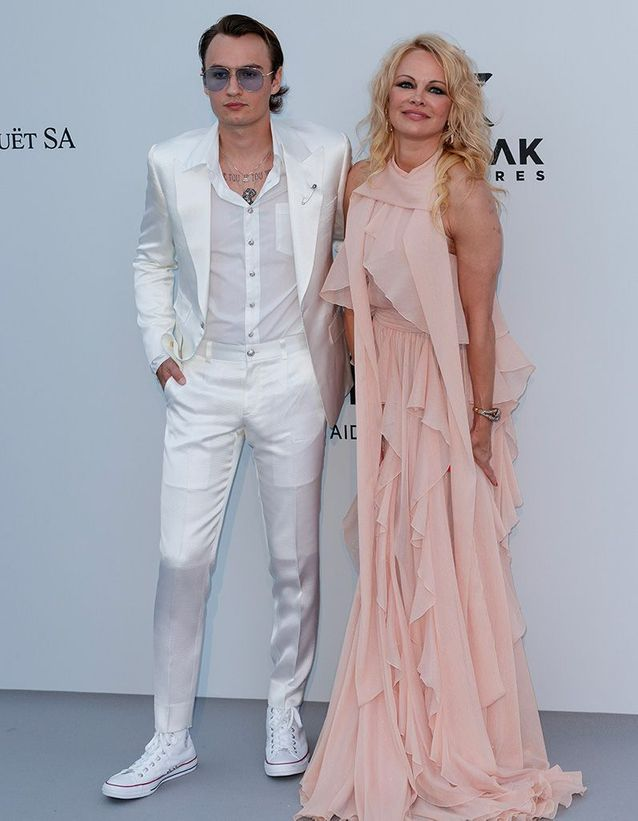 Brandon Lee et Pamela Anderson au gala de l'amfAR