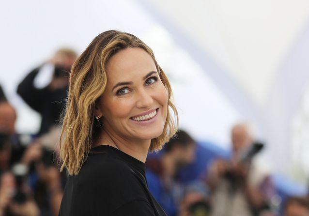 """Cannes 2019 : Judith Godrèche, sublime de naturel pour le photocall de """"The Climb"""""""