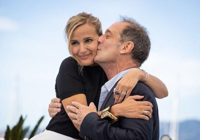Cannes 2021 : Vincent Lindon, Julia Ducournau, Agathe Rousselle, le photocall de « Titane »