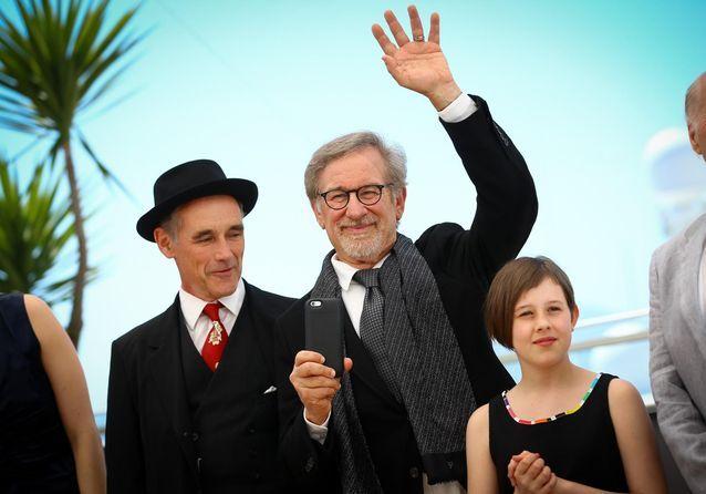 """Steven Spielberg présente son """"Bon Gros Géant"""" à Cannes"""