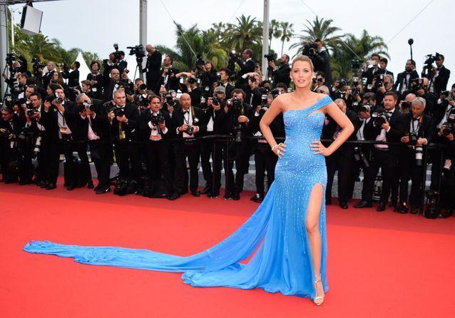 """Cannes 2016 : Blake Lively affiche sa grossesse sur le tapis rouge du """"Bon Gros Géant"""""""
