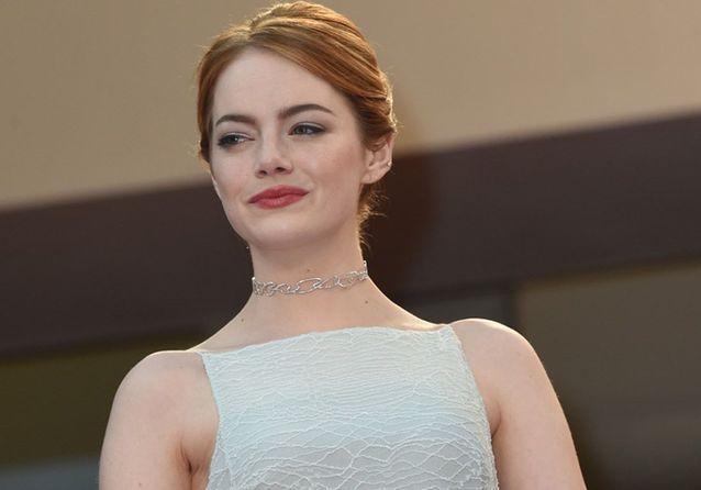 Cannes 2015 : Emma Stone, irrésistible pour sa montée des marches