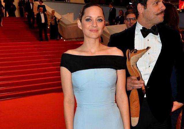 Cannes 2015 : Marion Cotillard monte les marches pour Le Petit Prince