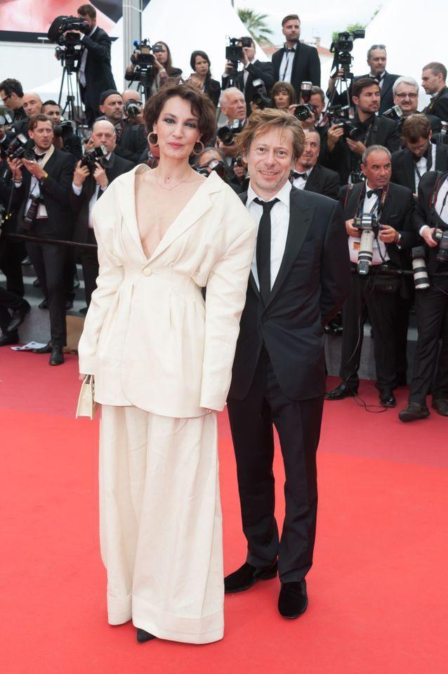 Jeanne Balibar (en Jacquemus) et Mathieu Amalric
