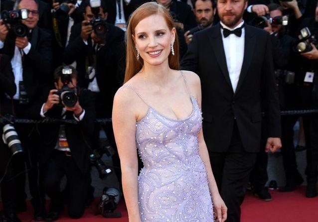 """Cannes 2017 : Rihanna, Bella Hadid et Julianne Moore montent les marches pour """"Okja"""""""