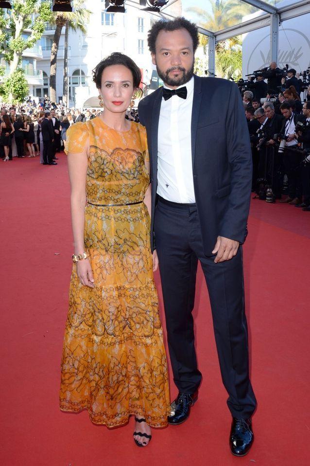 Amelle Chahbi en Paule Ka (Bijoux Atelier Swarovski) et Fabrice Eboué