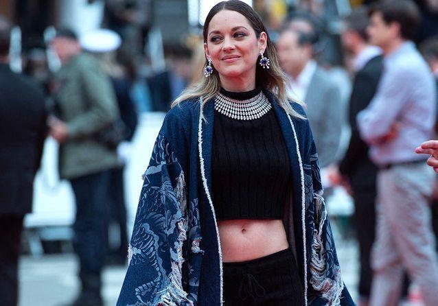 Cannes 2019 : Marion Cotillard et Marina Foïs, rayonnantes sur tapis rouge pour soutenir Xavier Dolan