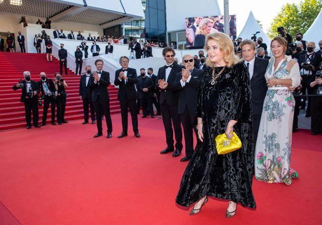Cannes 2021 : Catherine Deneuve, retour glamour sur la Croisette