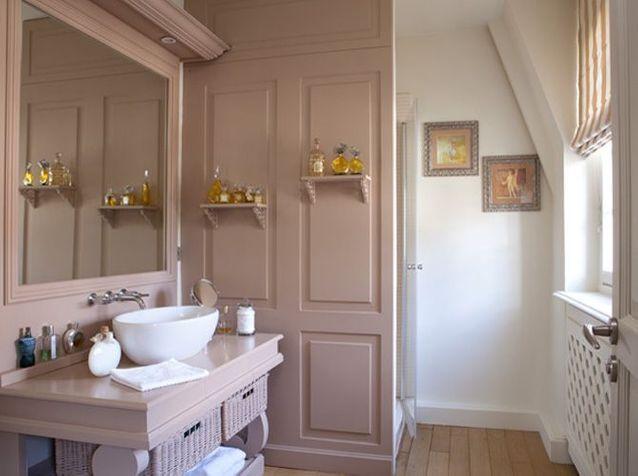 10 petites salles de bains pleines d\'astuces - Elle Décoration