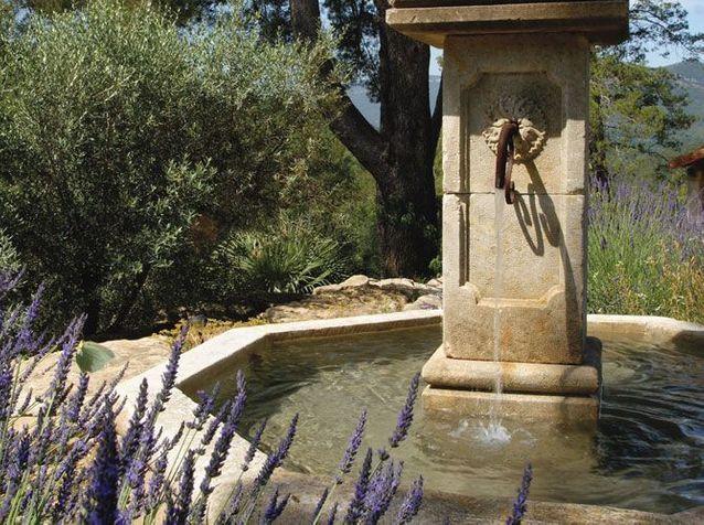 Fontaines Un Coin De Reve Au Jardin Elle Decoration
