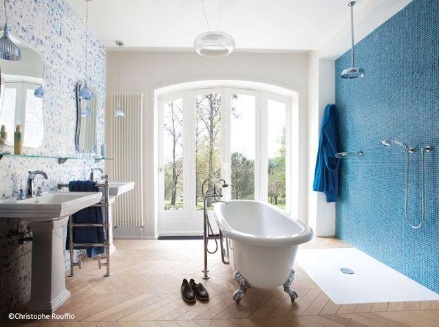 1. Salle de bains rétro et moderne