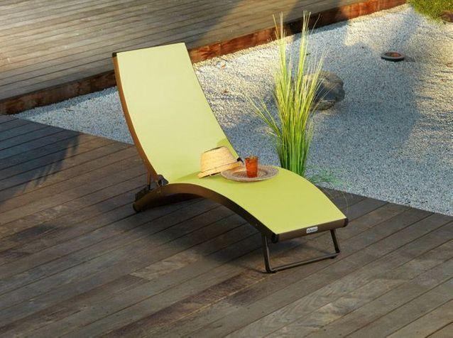 5 chaises et fauteuils de jardin Jardiland - Elle Décoration