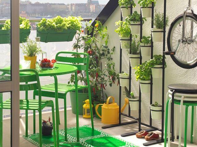 Aménagez votre balcon pour un espace fleuri et déco