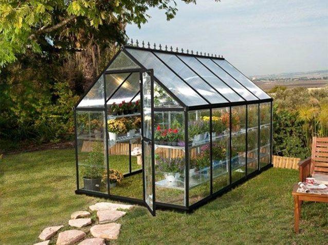 Installer une serre dans le jardin ou sur la terrasse - Elle Décoration