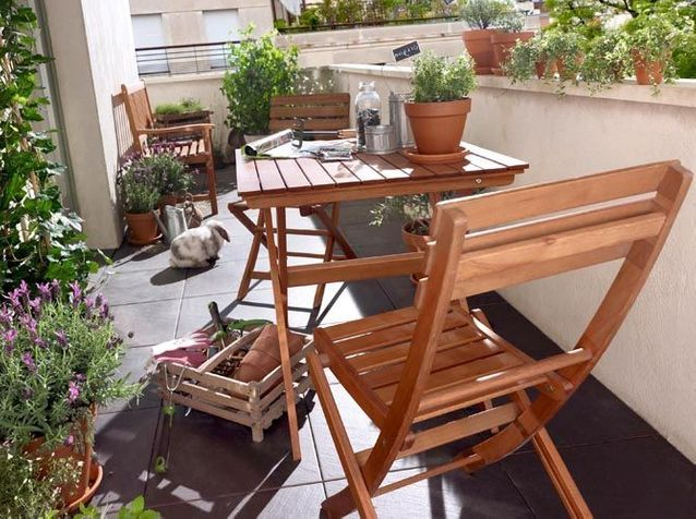 jardins de ville et petites terrasses 40 meubles sympas 40 castoramachaisepliablepourexterieur maisonsdumondemobilierenresineempilablepourexterieur - Meuble Terrasse