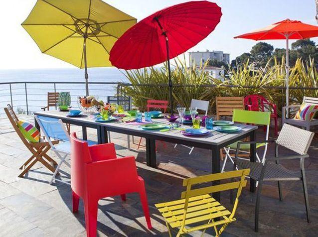 Un mobilier de jardin coloré - Elle Décoration