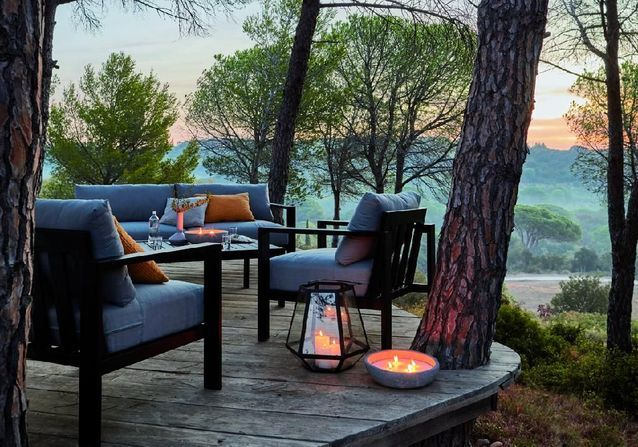 faire une belle terrasse pas cher lampadaire design pour. Black Bedroom Furniture Sets. Home Design Ideas