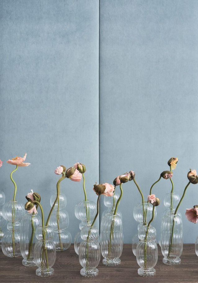 Un vase translucide Bolia