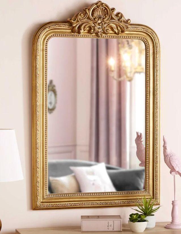 Un miroir doré