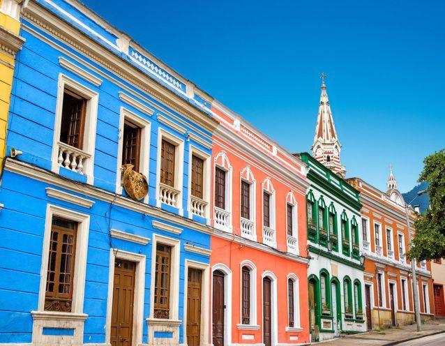 20 maisons colorées repérées dans le monde - Elle Décoration