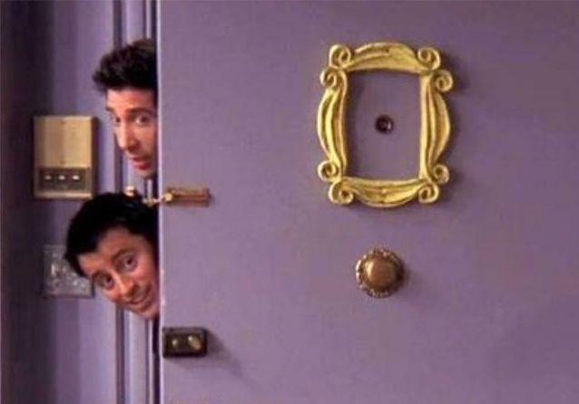 Un objet, une série : l'iconique cadre de porte dans « Friends »