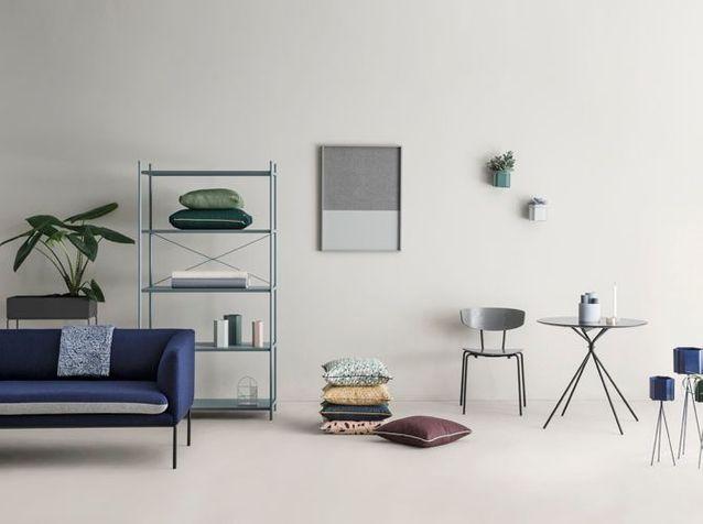 Canapé Chaise Vase Coussin Et Table Ferm Living