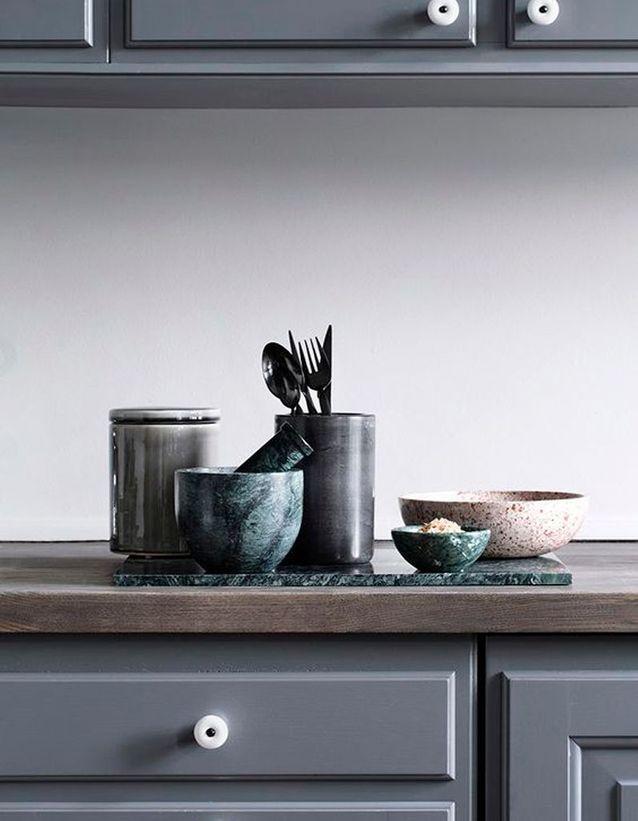 Multipliez le marbre vert dans la cuisine