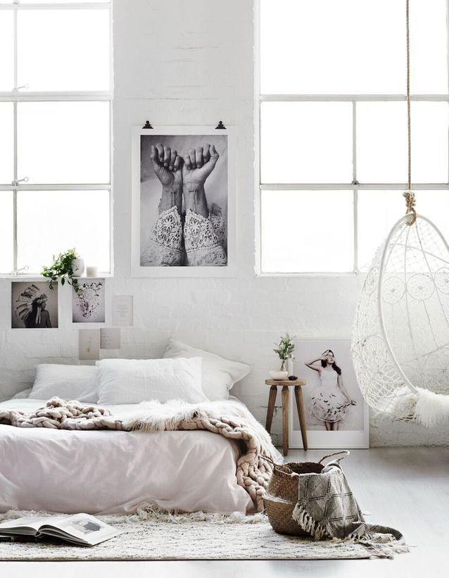 Une chambre blanche féminine