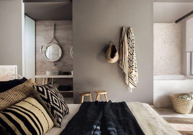 Placer un grand miroir dans un coin de la pièce - Déco : 15 idées ...