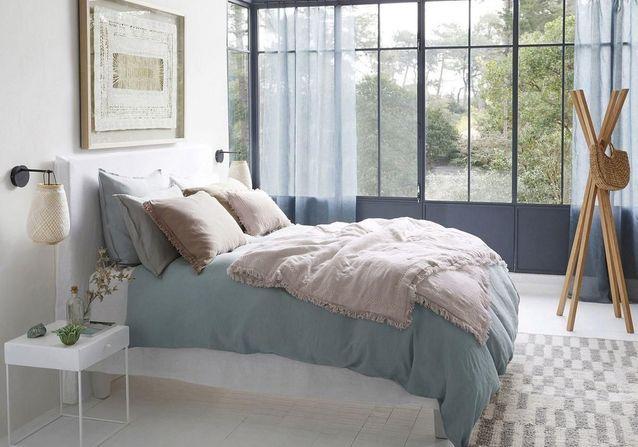 linge de lit en lin on ne s 39 en lassera jamais elle d coration. Black Bedroom Furniture Sets. Home Design Ideas