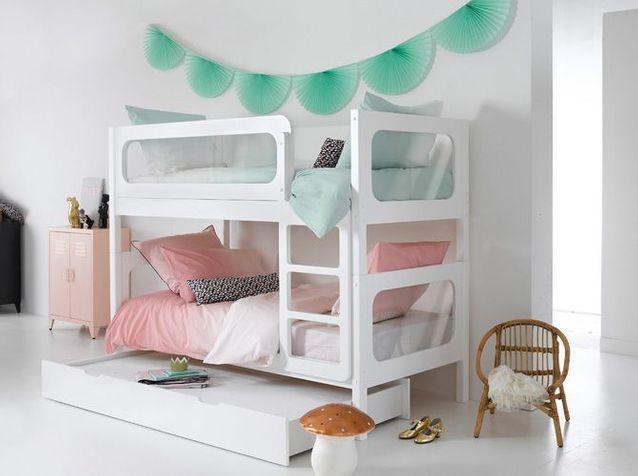 Un lit superposé aux formes généreuses