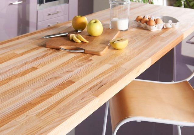 Un plan de travail en bois pour une cuisine authentique - Quel plan de travail choisir pour une cuisine ...