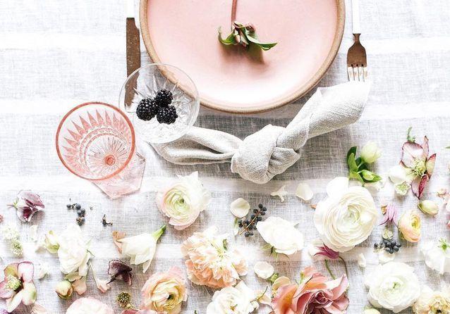 Une déco de table romantique mais pas kitsch pour la Saint-Valentin