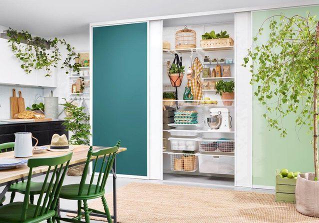 Des placards de cuisine pratiques car vitrés - Des placards de ...