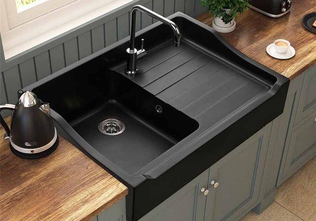 On se jette à l'eau avec notre sélection d'éviers de cuisine !