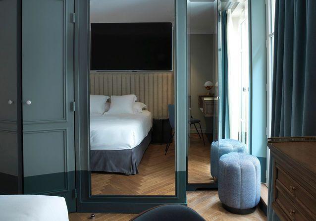 des miroirs pour une petite chambre qui parait plus grande