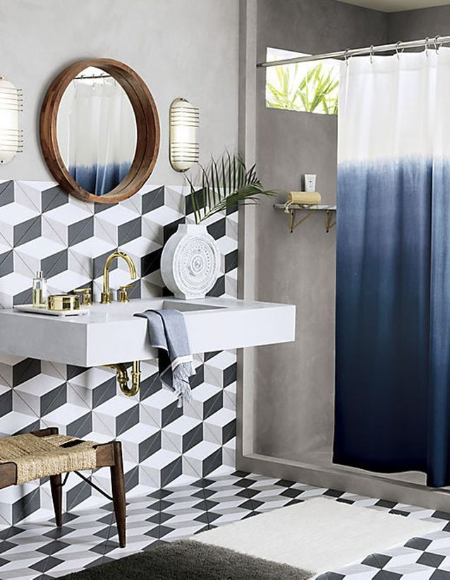 Rideau de douche 15 rideaux de douche pour une salle de - Volume d eau pour une douche ...