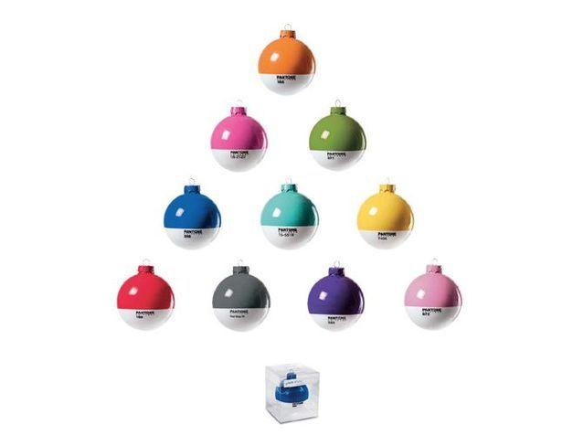 25 boules de Noël colorées