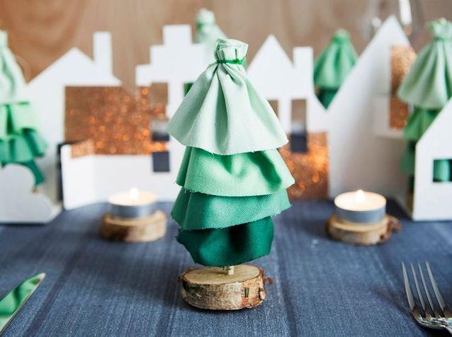 Tutoriel pour créer de petits sapins de Noël avec du tissu