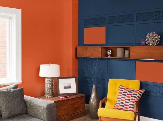 Une peinture orange accompagnée de bleu pour mon salon