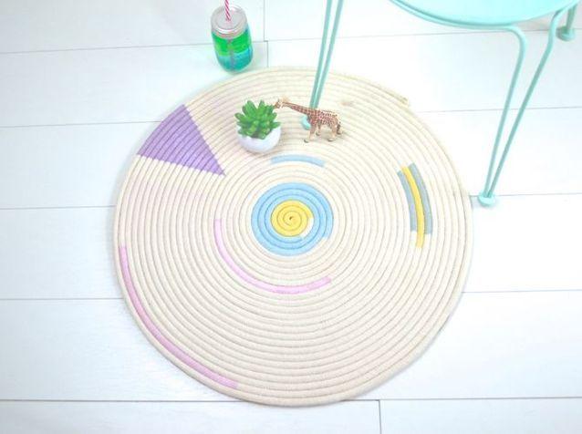 DIY : fabriquez un tapis en corde graphique