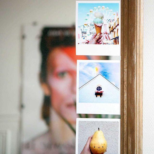 En accumulations sur les murs ou miroirs