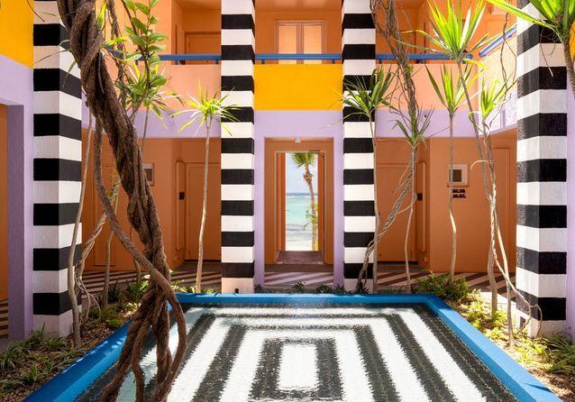 Un hôtel esprit Memphis à l'île Maurice