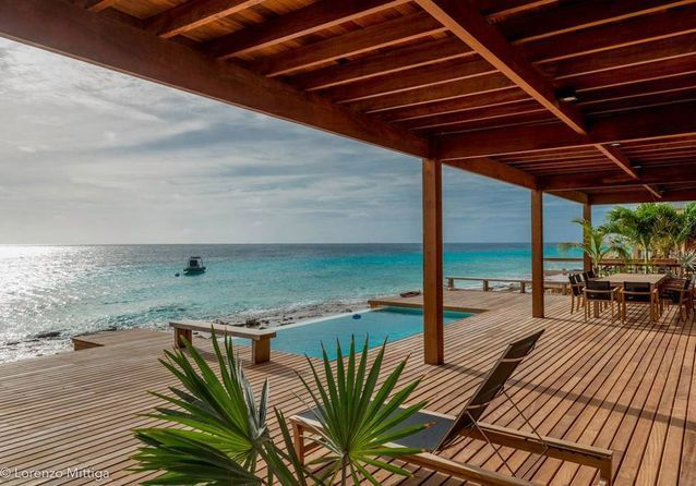 Vous êtes à la recherche d'une belle maison pour des vacances pieds dans l'eau, découvrez ces 6maisons coups de coeur, à louer sur Airbnb.