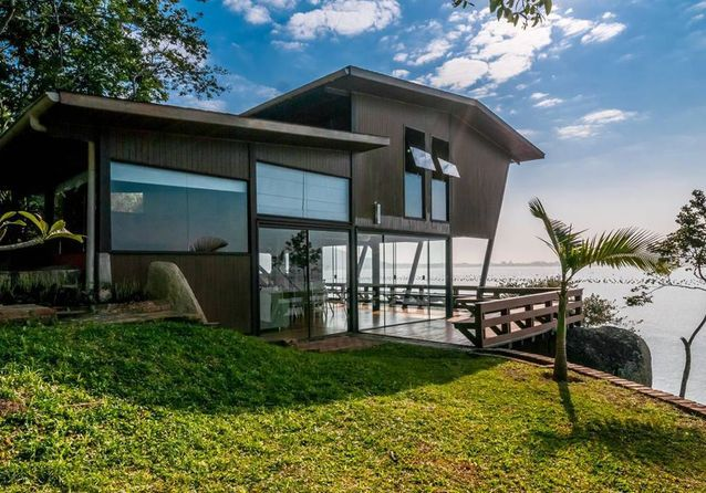 Une maison à Governador Celso Ramos, au Brésil...