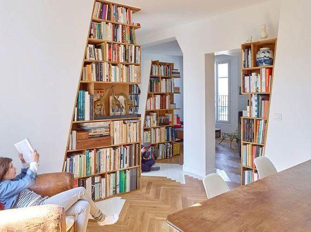 Un appartement insolite sous les toits de Paris